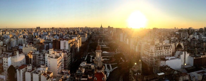 Buenos Aires: la ciudad que nunca duerme, la ciudad de todas las pasiones.