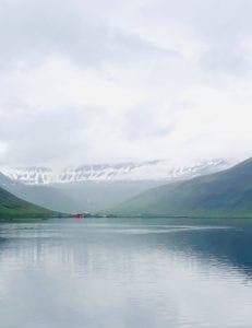 Isafjördur Eisford, Stockfischprobe und Fischerhütten