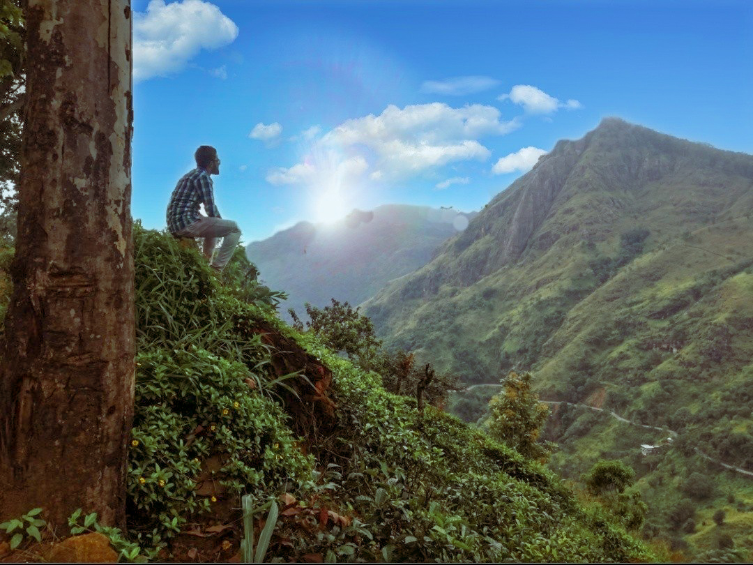 LITTLE ADAM'S PEAK HIKE IN ELLA, SRI LANKA